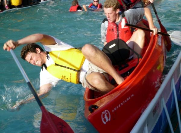 Canoe tug